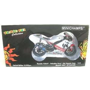 Minichamps: YAMAHA YZR M1 MOTO GP VALENTINO ROSSI PHILLIP