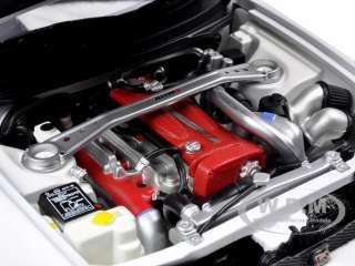 NISSAN SKYLINE GT R R TUNE (R33) MATT WHIT 1/18 AUTOART
