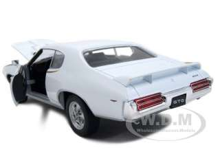 1969 PONTIAC GTO JUDGE WHITE 124 DIECAST CAR MODEL