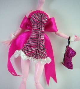 Monster High DOTD Fashions Exclusive Dawn Of The Dance Draculaura