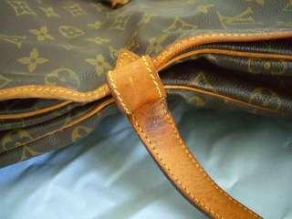 Owned Louis Vuitton Monogram Saumur 35 Messenger bag Cross body