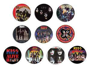 KISS alive, hotter than hell,dressed to kill pin Button BADGE / MAGNET