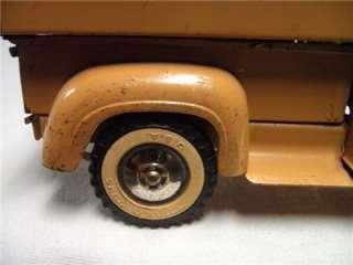 Vintage Sportsman Tonka Hunt Fishing Truck Toy 2 piece