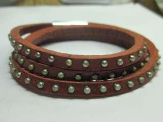 Z332 Fine hand    Magnet leather bracelet man/woman |