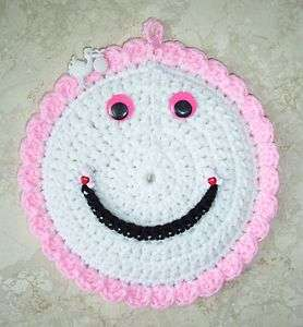 SMILEY FACE POTHOLDER WALL HANGING, Crochet, PINK FOR BABY GIRL