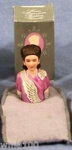 Avon American Fashion Thimble Circa 1942 Porcelain Figurine Free