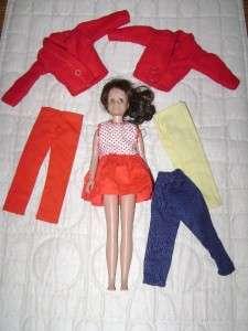 VINTAGE LOT OF BARBIE SISTER SKIPPER DOLL & CLOTHES
