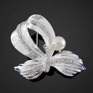 Simple and elegant silver faux pearl Crystal brooch 262