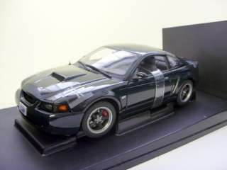 AUTO ART 1/18 72851 FORD BULLIT MUSTANG GT 2001 GREEN