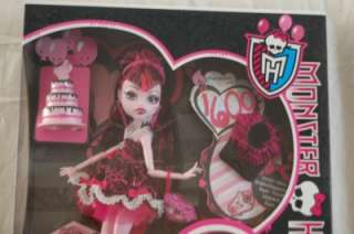 BNIB MONSTER HIGH DRACULAURA SWEET 1600 DOLL NEW SERIES IN HAND UK
