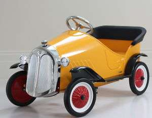 KIDS CHILDRENS STEEL TOY RIDE ON VINTAGE PEDAL CAR