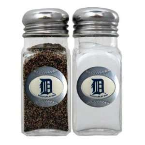 DETROIT TIGERS OFFICIAL LOGO SALT AND PEPPER SHAKERS