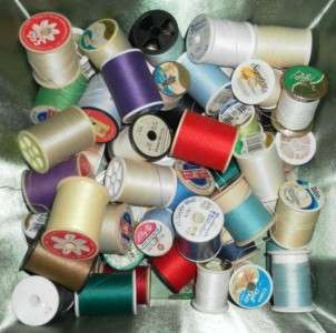 VINTAGE FABRIC COVERED SEWING BOX FILLED THREAD BUTTONS NOTIONS