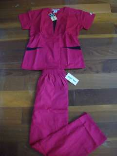 Medical Nursing Uniforms Nurses Scrubs Set Raspberry with Black trim